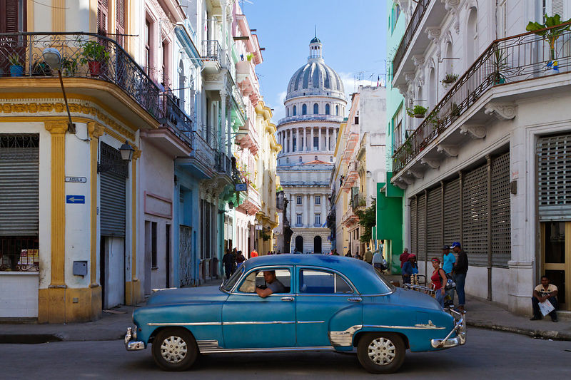 Vintage Car and the Capitolio