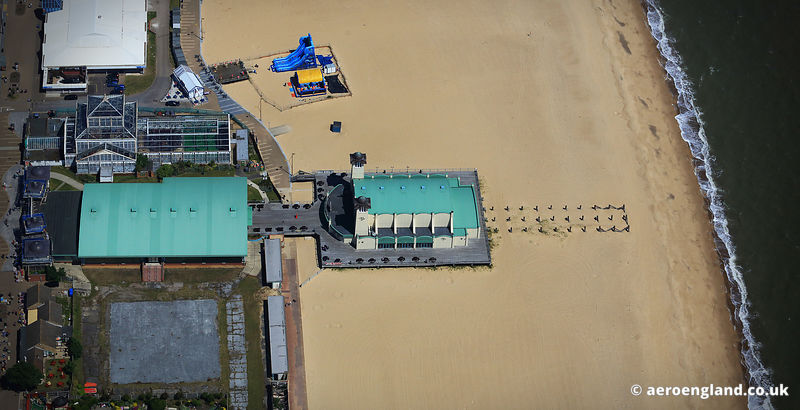 aerial photograph of the Wellington Pier in  Great Yarmouth.