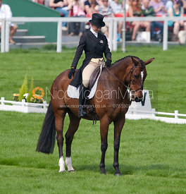 Lauren Shannon and Zero Flight - Dressage