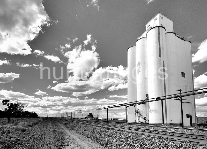 Rural community of Dix, Nebraska and its grain elevator