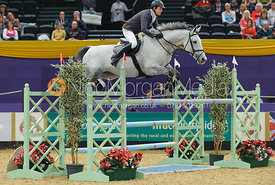 Simon Crippen and Wembley III - The Horse and Hound Foxhunter, Horse of the Year Show 2010