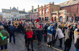 Crowds fill the market place for the Boxing Day meet in Oakham