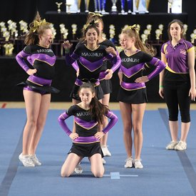 123 Maximum Cheer Gold photographs