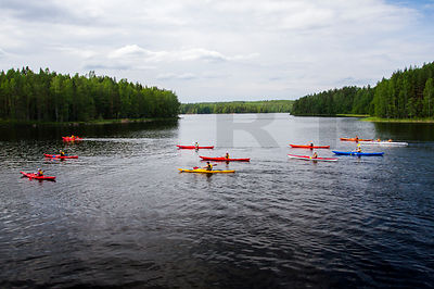 Paddlers on Repovesi