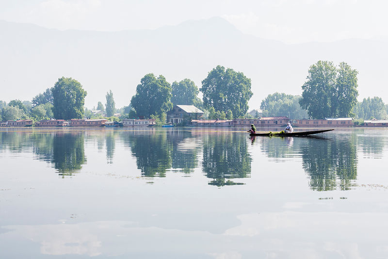 Canoe on Dal Lake