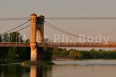 FRANCE, VALLEE DE LA LOIRE, PONT DE LANGEAIS//FRANCE, LOIRE VALLEY, BRIDGE OF LANGEAIS