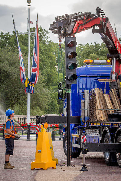Traffic lights being removed in readiness for the RAF Procession