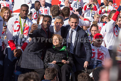 Ore Oduba, Sadiq Kahn, Chris Holmes and Tanni Grey-Thompson in a selfie