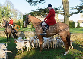 Andrew Osborne MFH with hounds at Pickwell Manor