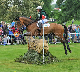Aoife Clark and KINGS ADVOCATE II - CIC***