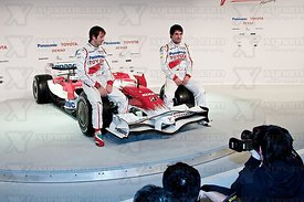 Jarno Trulli (ITA), Timo Glock (GER), Toyota TF108 Launch, Cologne, 10th January, 2008