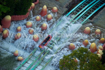 Based on the cartoon character, Dudley Do-Right's Ripsaw Falls is one of Universal Orlando's original rides.