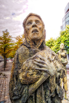 Famine Memorial, Woman With A Bag- Dublin, Ireland