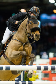Bordeaux, France, 2.2.2018, Sport, Reitsport, Mercedes-Benz CSI Zurich - Prix FRENCH TOUR GENERALI .Trophée NOUVELLE AQUITAINE. Bild zeigt Harrie SMOLDERS (NED) riding Zinius...2/02/18, Bordeaux, France, Sport, Equestrian sport Mercedes-Benz CSI Zurich - Prix FRENCH TOUR GENERALI .Trophée NOUVELLE AQUITAINE. Image shows Harrie SMOLDERS (NED) riding Zinius.