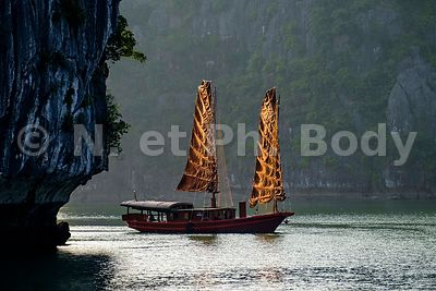 JONQUE, BAIE DE HA LONG//JUNK BOAT, HA LONG BAY
