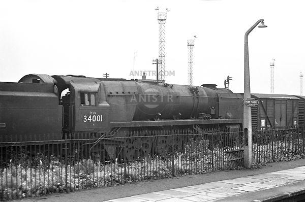 BR LOCOS IN SCRAPYARDS IN 1960s photo, images