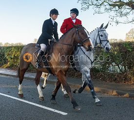 Bee Bell, Richard Hunnisett leaving the meet - The Cottesmore Hunt at Pickwell Manor 28/12