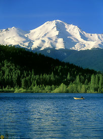 Boater on Lake Siskiyou