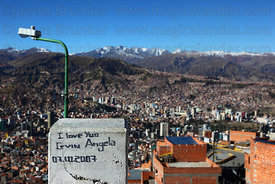 """I love you"" graffiti on concrete post, Serranias Murillo range in background , La Paz , Bolivia"