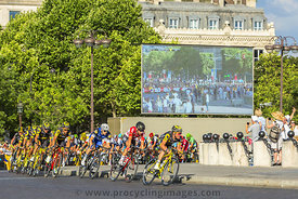 The Peloton in Paris - Tour de France 2016