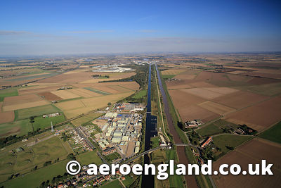 aerial photograph of Dutch River running alongside the Aire and Calder Navigation Knottingley and Goole canal ,  Yorkshire England UK