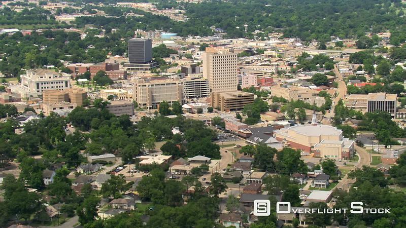 Flight approaching downtown Lafayette, Louisiana  links with GCC116.