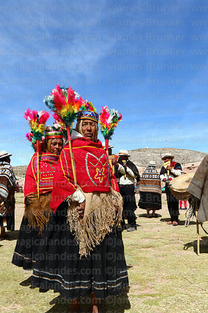 Ayawayas dancing with j'acha sikus group from Aransaya, Curahuara de Carangas, Bolivia