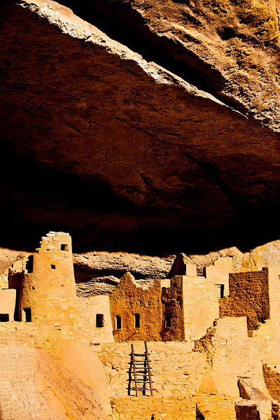 MESA VERDE CLIFF PALACE RUINS ANCESTRAL PUEBLOAN CLIFF DWELLING ARCHEOLOGICAL SITE MESA VERDE NATIONAL PARK COLORADO