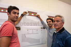Julian Caduff (left) and Stephan Lauener on the housing project.