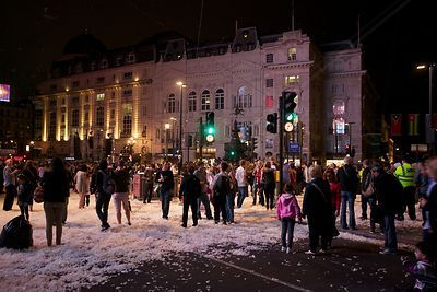 The Crowd Thins out after the Place des Anges show in Piccadilly Circus