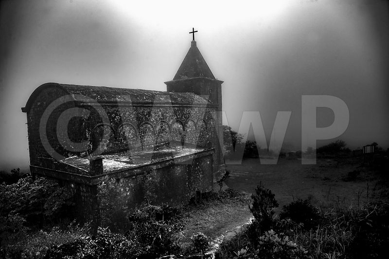WW_P4362-Cambodia-church-Bokor-fog