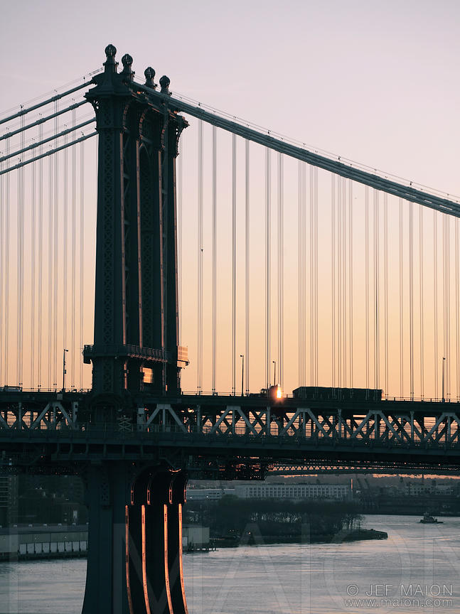 Sunrise on Manhattan bridge