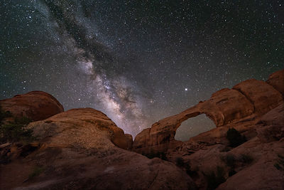 Mars & Milky Way at Skyline Arch