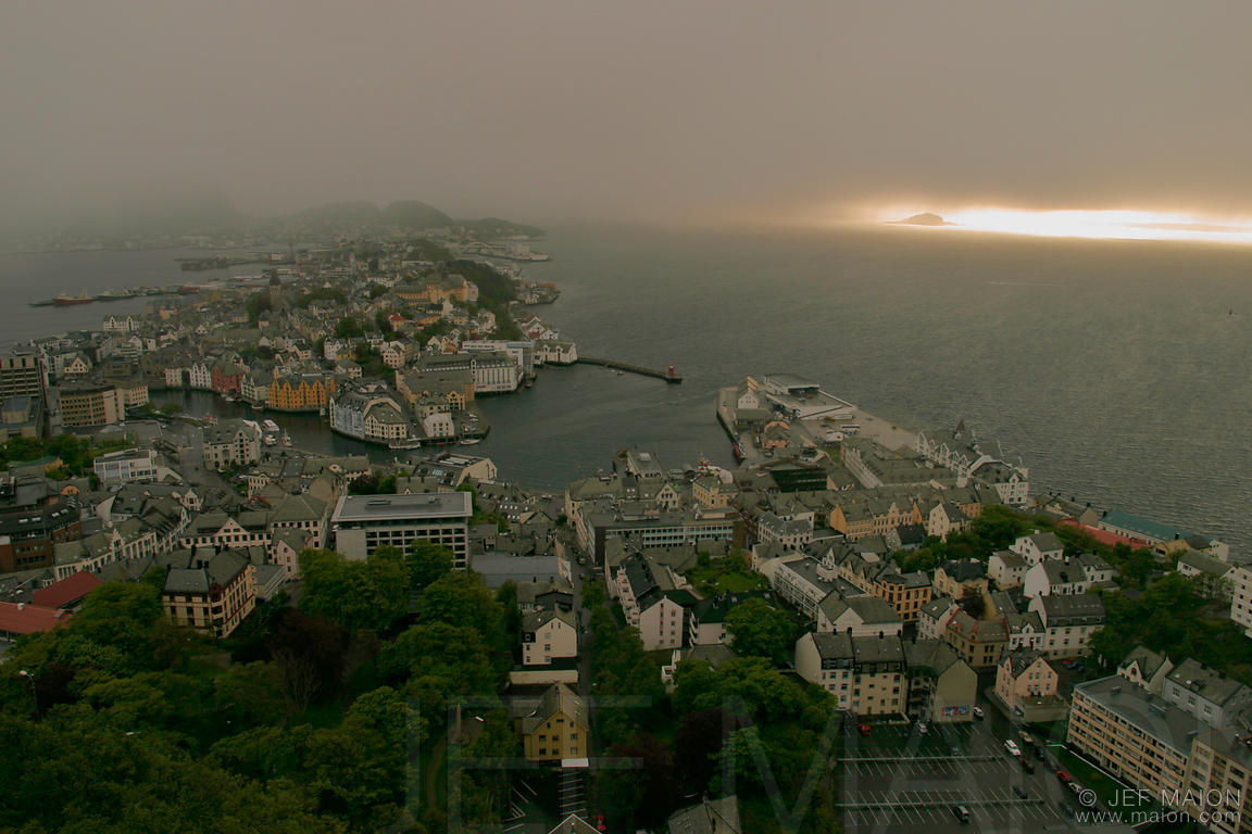 Cloudy sunset over Ålesund