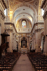 Nave of Saint Louis en Ile churh, Paris
