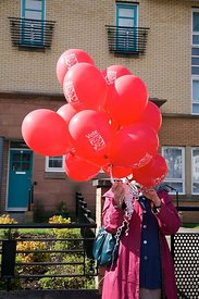 Labour red balloons