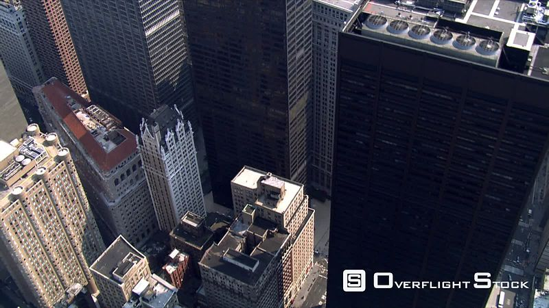 Close flight over 40 Wall Street.