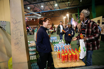Drinks-being-given-homeless-at-Crisis-Christmas-Copyright-Rob-Johns_MG_6026