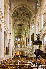 Nave of Saint Etienne du Mont church, Paris