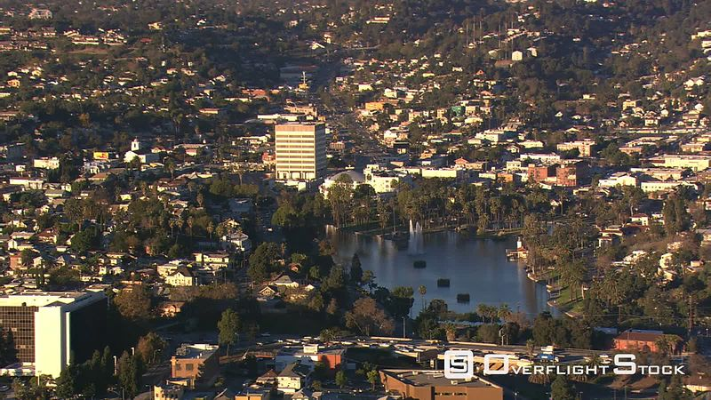 Wide view of Los Angeles neighborhood with lake.