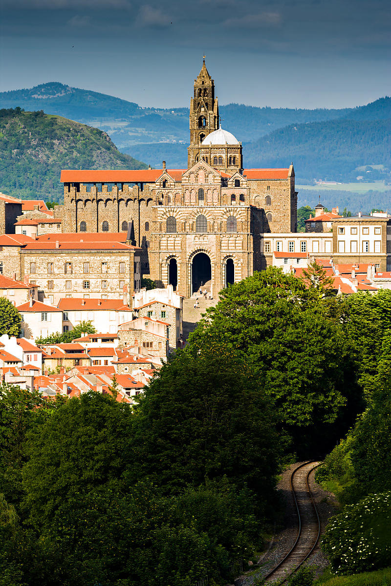 photostock arnaud frich cathedral in the sun le puy en velay. Black Bedroom Furniture Sets. Home Design Ideas