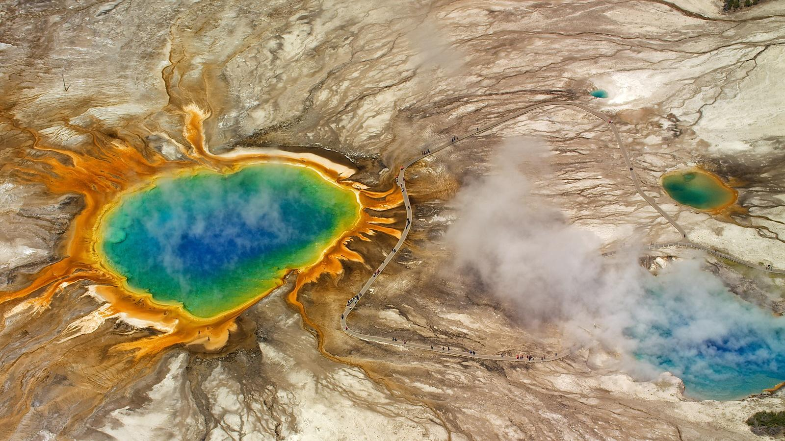 Yellowstone_Still_3