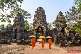 Buddhist monks with umbrella, Angkor wat, Cambodia