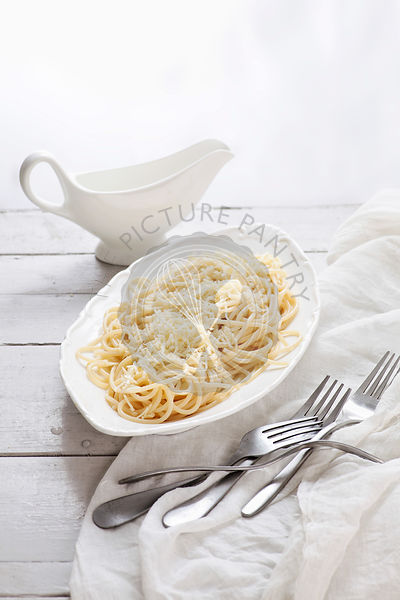 spaghetti with cheese