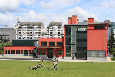 Genève, le 16.06.2015.Parc Gustav et Léonard Hentsch ou Parc Hentsch, au quartier de la Servette. Campus HEAD (  Haute école d'art et de design ) ou campus des arts et du design..© Jean-Patrick Di Silvestro / Regardirect