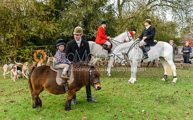 Angus Smales, Archie Smales at the meet. The Cottesmore Hunt at Braunston