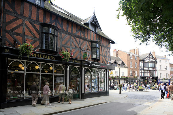 Street scene in Shrewsbury Town Centre, Shropshire, England, UK. Wyle Cop.