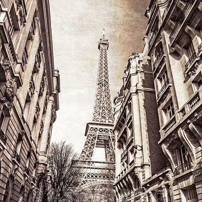 Eiffel tower, Paris, old fashioned effect