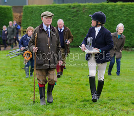 Juliet Cursham, David Samworth at the meet - The Quorn Hunt at Markham House 21/12