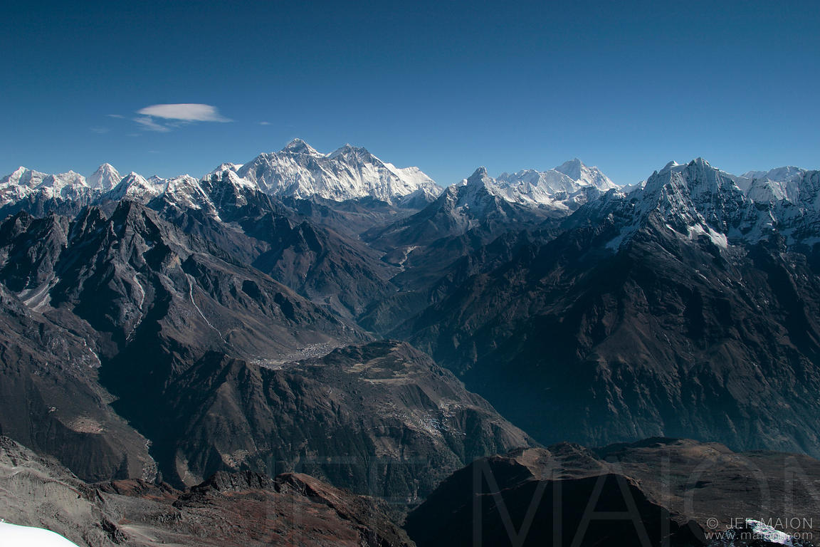 Overview of Everest and the Khumbu Himal